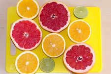 Free Limes, Grapefruits And Oranges Royalty Free Stock Photography - 87855807