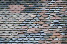 Free Image Of A Roof Covering Built Of Individual Overlapping Elements. Fixed By Nails, They Are Almost Waterproof And Thus Resistant T Royalty Free Stock Images - 87857759