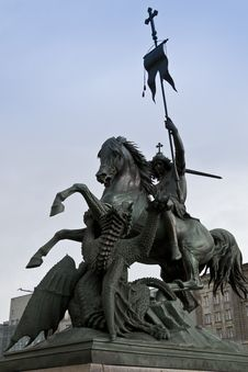 Free Statue Of Saint George Slaying The Dragon Royalty Free Stock Image - 87862556