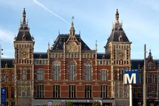 Free Centraal Station In Amsterdam Royalty Free Stock Photography - 87862727