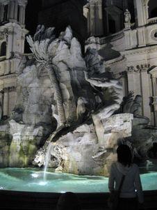 Free Fontana-dei-quattro-fiumi-at-night Stock Photos - 87863153