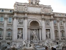 Free Fontana-di-trevi Royalty Free Stock Images - 87863159