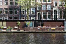 Free Floating House In Amsterdam Jordaan District Royalty Free Stock Image - 87863206