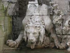 Free Lion-in-fontana-dei-quatro-fiumi Royalty Free Stock Photography - 87863597