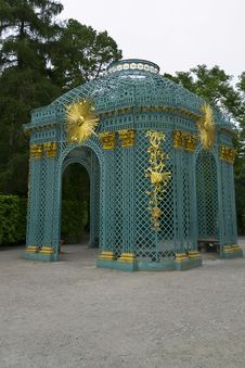 Free Latticework Garden Pavilion Royalty Free Stock Images - 87863599
