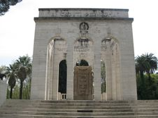 Free Monumento-della-societ-garibaldina Stock Photo - 87863760
