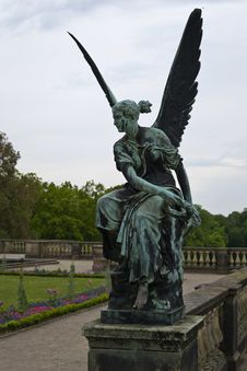 Free Orangery Palace Statue Of An Angel Stock Images - 87864184