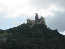 Free Pena-palace-as-seen-from-moors-castle Royalty Free Stock Photos - 87864318
