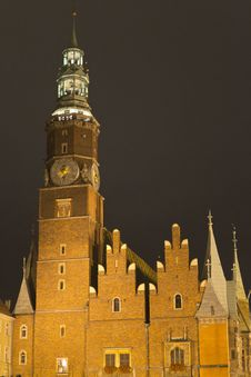 Free Wroclaw Town Hall At Night Stock Photo - 87864430