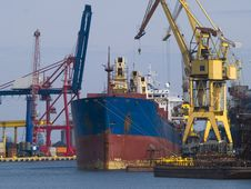 Free Shipyard Stock Photo - 8795940