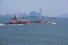 Free Tugboat Pushing Barge In New York Harbor, Stock Photography - 8797012