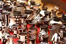 Free Black And White Pottery Cups Stock Image - 8797161
