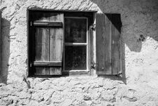 Free Wooden Shutters On Window Stock Photos - 87960783