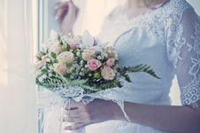 Free Bride Holding Bouquet Royalty Free Stock Image - 87961076