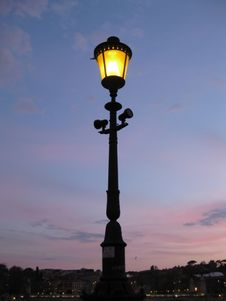 Free Lit Street Lamp Royalty Free Stock Images - 87962579