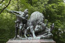 Free Tiergarten Bison Hunt Statue Royalty Free Stock Image - 87962706
