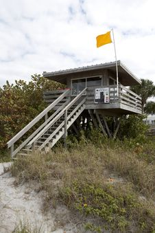 Free Lifeguard Station Royalty Free Stock Image - 880766