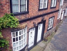Free Canal Cottages Royalty Free Stock Photos - 883368
