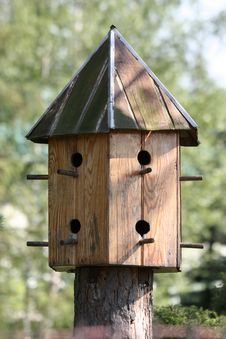Free Garden Birdhouse Royalty Free Stock Photo - 886005
