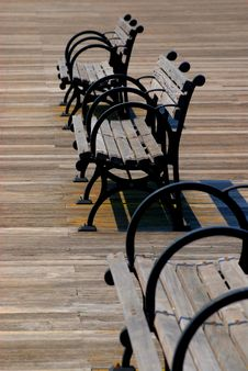 Free Wooden Bench Royalty Free Stock Photography - 888437