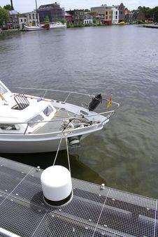 Free White Yacht Stock Image - 888821