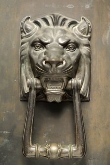 Bronze Lion Head Door Knocker Stock Photos