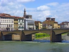 Free Bridge Over River Arno Stock Photo - 8807830