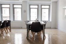 Free Dining Table And Chairs In Modern Room Stock Photos - 88037253