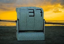 Free Large Beach Chair At Sunset Royalty Free Stock Photography - 88037617