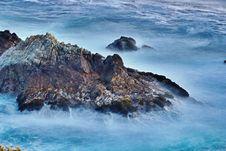 Free Rocks & Waves @ Big Sur 1 Royalty Free Stock Image - 88189216
