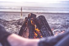 Free Bonfire On Beach Royalty Free Stock Photography - 88192957