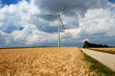 Free Wind Turbines In A Field Royalty Free Stock Images - 8820159