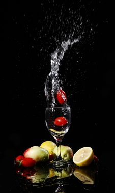 Free Fruit Falling Into Water Stock Photography - 8820872