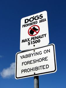 Free Dogs Prohibited Sign Royalty Free Stock Images - 8825369