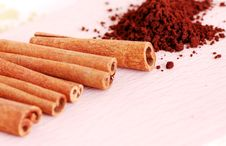 Free Cinnamon Sticks Royalty Free Stock Image - 8826626