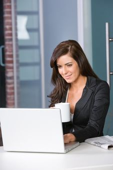 Free Business Woman In A Modern Office Stock Images - 8831224
