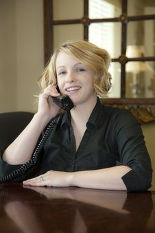 Free Lady In Office On Phone Royalty Free Stock Images - 8833669