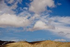 Free Ridgeline Wind Farm Royalty Free Stock Image - 8833776