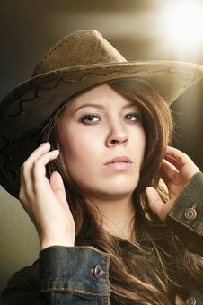 Free Sexy Brawn Hair Cowgirl Stock Images - 8835994