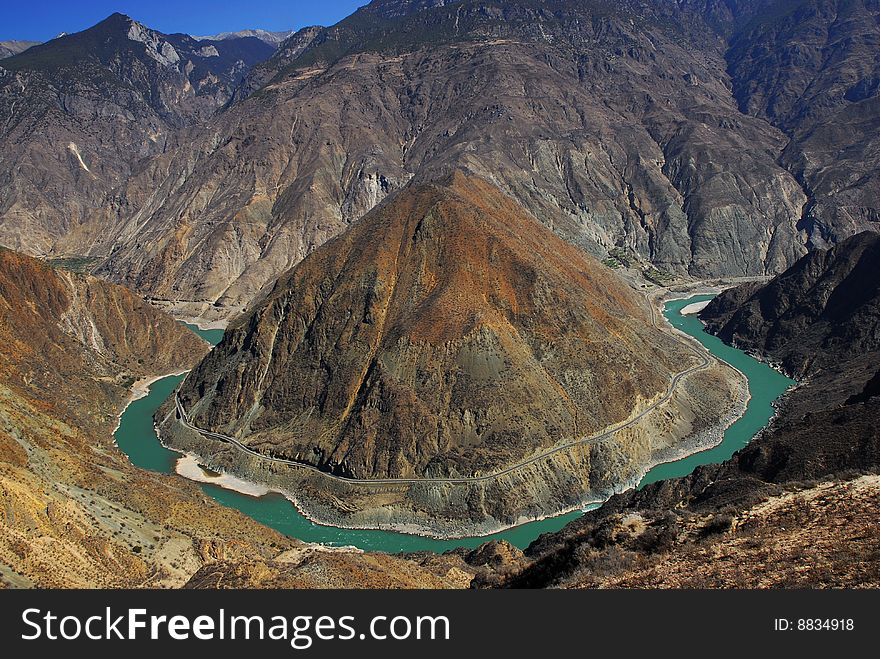 Jinsha Jiang River Huge Natural Curve