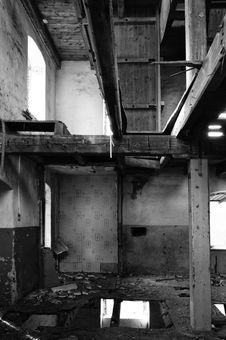 Free Abandoned Building In Black And White Stock Photography - 88330012