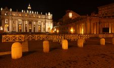 Free St. Peter´s Basilica At Night Royalty Free Stock Photos - 8841738