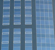 Free Abstract Crop Of Modern Office Skyscraper. Royalty Free Stock Photos - 8847358