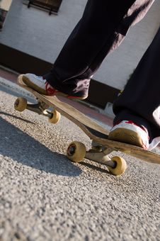 Free Teenager Skateboarding Royalty Free Stock Photography - 8847377