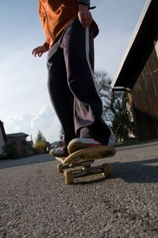 Free Teenager Skateboarding Stock Photography - 8847382