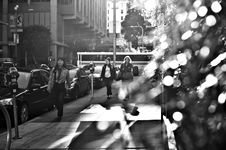Free People Walking On Busy City Sidewalk Royalty Free Stock Images - 88415699