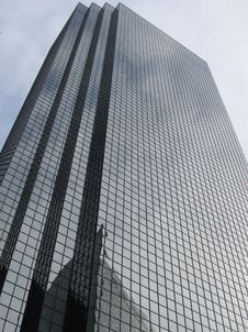 Free High Rise Office Building Royalty Free Stock Photo - 88417045