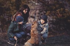 Free Mother And Children With Pet Dog Stock Photography - 88418452
