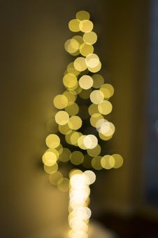 Free Abstract Yellow Bokeh Lights Stock Image - 88491961