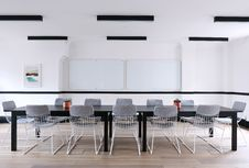 Free Conference Table In Modern Office Royalty Free Stock Photography - 88492077